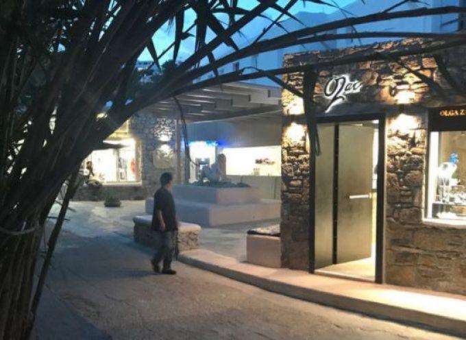 Μύκονος: Γκρέμισαν αυθαίρετο κοσμηματοπωλείο στην Ψαρού με πρόστιμο 500.000 ευρώ
