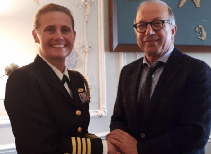 Συνάντηση του Αντιπεριφερειάρχη Κυκλάδων με την Αμερικανίδα Αξιωματούχο του Πολεμικού Ναυτικού Captain Rose Ε. Rice