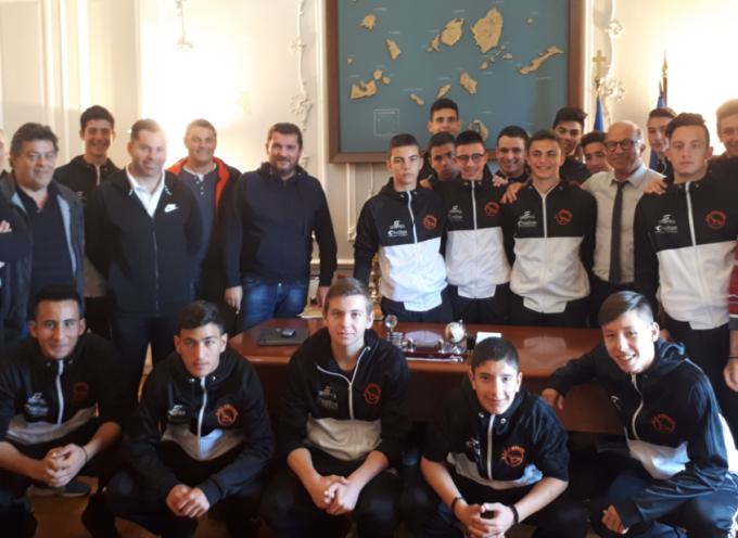 Η Περιφέρεια Νοτίου Αιγαίου στηρίζει το ερασιτεχνικό ποδόσφαιρο