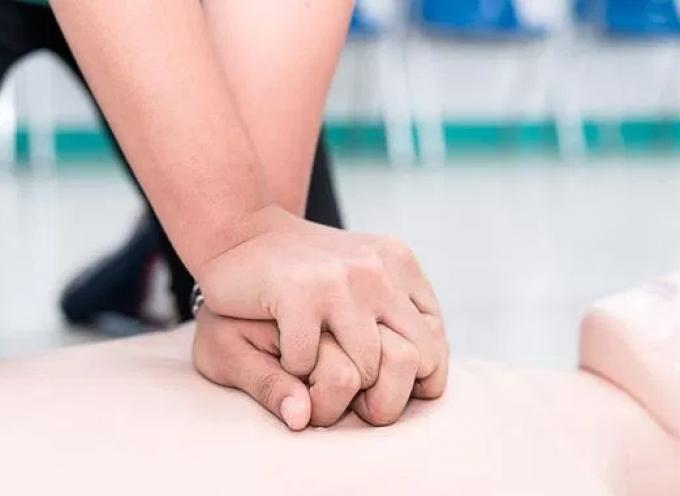 Σύλλογος Στήριξης Κ. Υ- Νοσοκομείου Θήρας: Πρόγραμμα εκπαίδευσης καρδιακής αναζωογόνησης στα σχολεία
