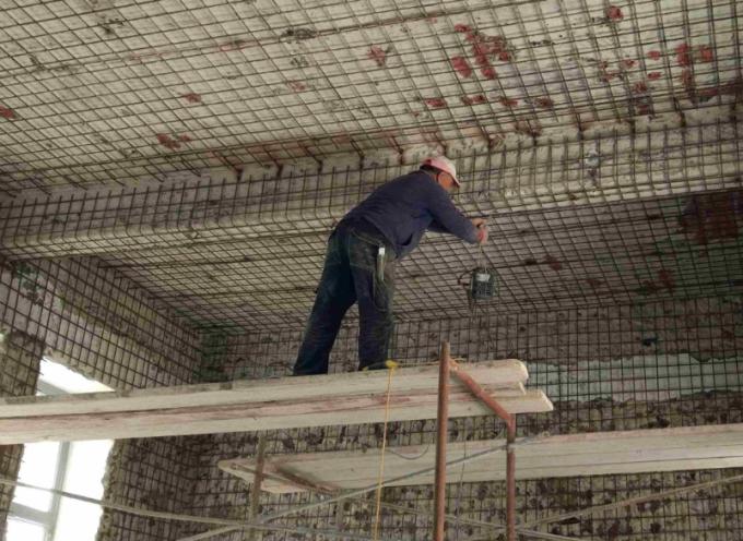 Ο Δήμος Θήρας για τις συντηρήσεις και επισκευές σχολικών κτιρίων