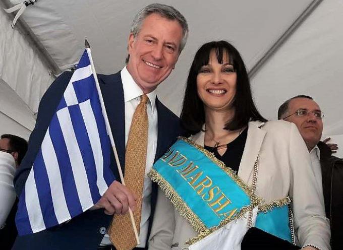 Πρόσκληση Κουντουρά στο δημοφιλή Δήμαρχο της Νέας Υόρκης Bill de Blasio να επισκεφτεί την Ελλάδα