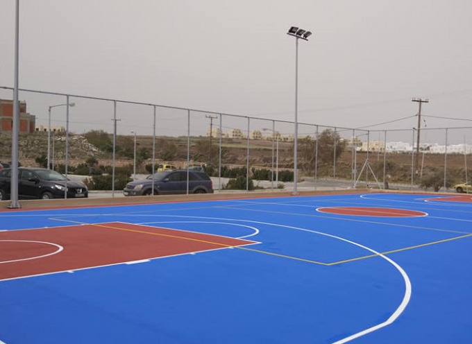 Έτοιμο για χρήση το γήπεδο μπάσκετ στον προαύλιο χώρο του Κλειστού Γυμναστηρίου