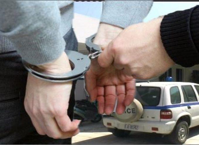 Σύλληψη διωκόμενου αλλοδαπού στη Σαντορίνη