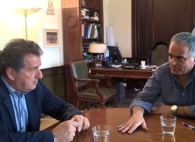 Συνάντηση του Υπουργού Εσωτερικών με τον Δήμαρχο Άνδρου