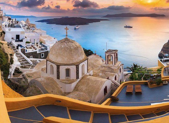 Η Σαντορίνη μέσα στα 15 ελληνικά νησιά που επιβάλλεται να επισκεφτείς σύμφωνα με το Conde Nast Traveller!