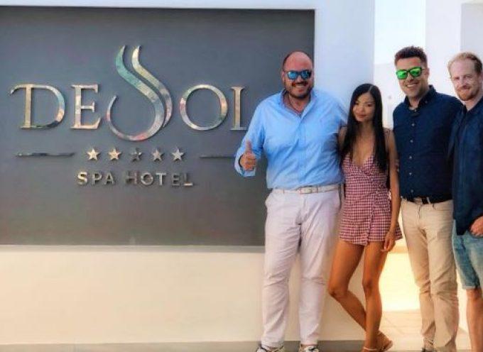 Ο γνωστός ηθοποιός Darren Darnborough στο DeSol Spa Hotel