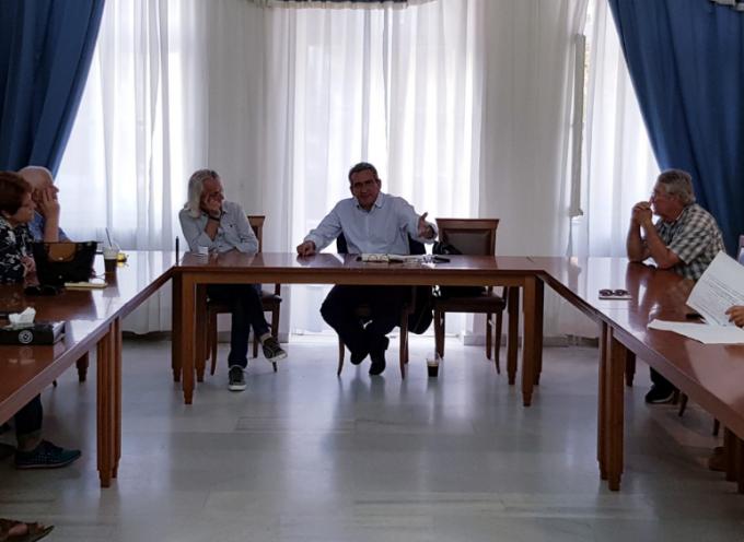 Ο Περιφερειάρχης Γιώργος Χατζημάρκος στην Ίο, για την προώθηση των ανοιχτών ζητημάτων του νησιού