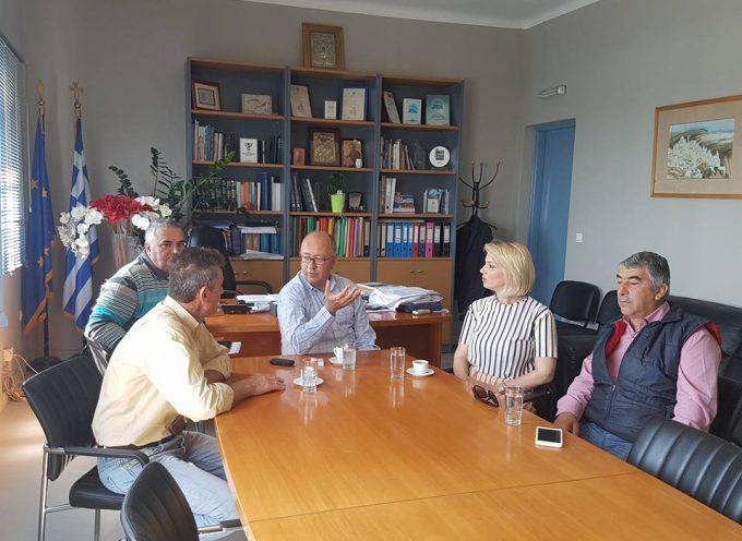 Επίσκεψη της Κατερίνας Μονογυιού στο Δήμο Θήρας