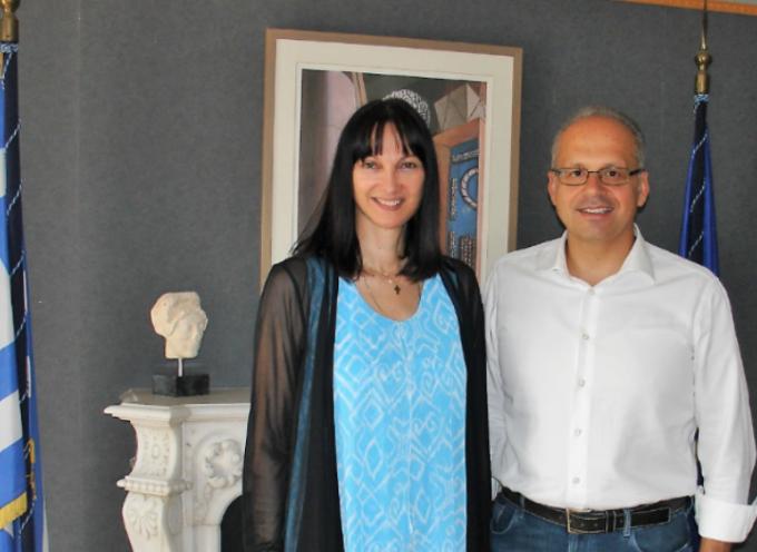 Με το Δήμαρχο Σίφνου συναντήθηκε η Υπουργός Τουρισμού Έλενα Κουντουρά