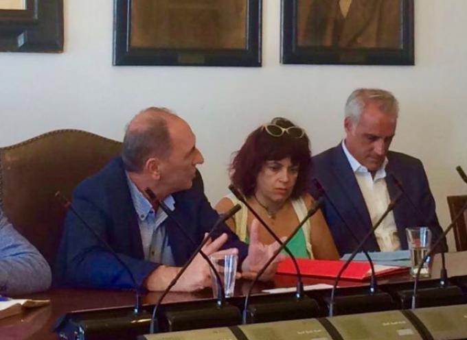 Συνάντηση εργασίας με τον Υπουργό Περιβάλλοντος και Ενέργειας στο Δημαρχείο Μυκόνου