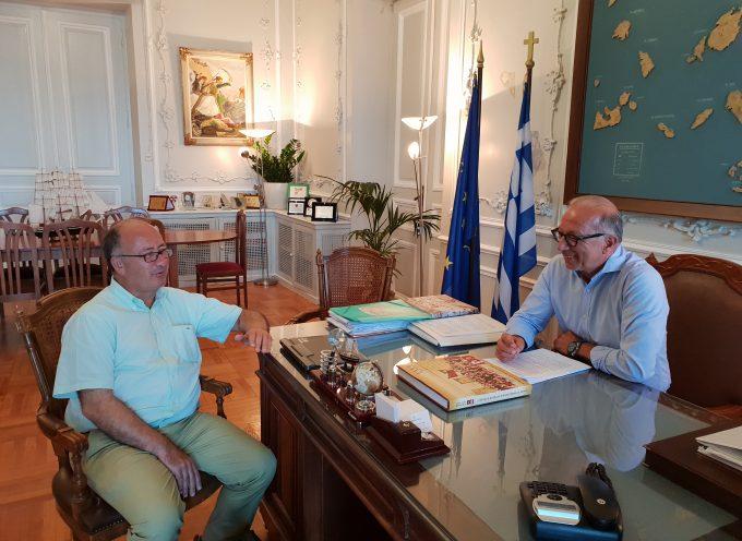 Συνάντηση εργασίας Αντιπεριφερειάρχη Κυκλάδων  με τον Δήμαρχο Θήρας, Αναστάσιο – Νικόλαο Ζώρζο.