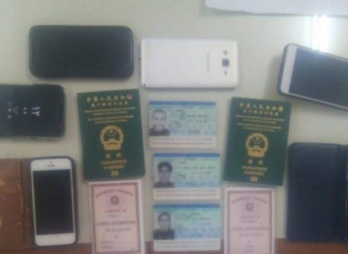 «Βιομηχανία» πλαστών εγγράφων για μετανάστες στη Σαντορίνη