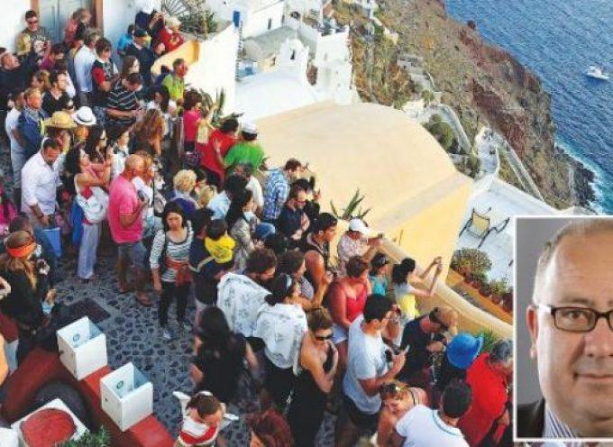 Κραυγή αγωνίας του δημάρχου για την υποστελέχωση των δημ. υπηρεσιών σε ένα νησί που «βουλιάζει» από ξένους επισκέπτες