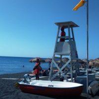 Ξεκίνησε η ναυαγοσωστική κάλυψη παραλιών της Σαντορίνης