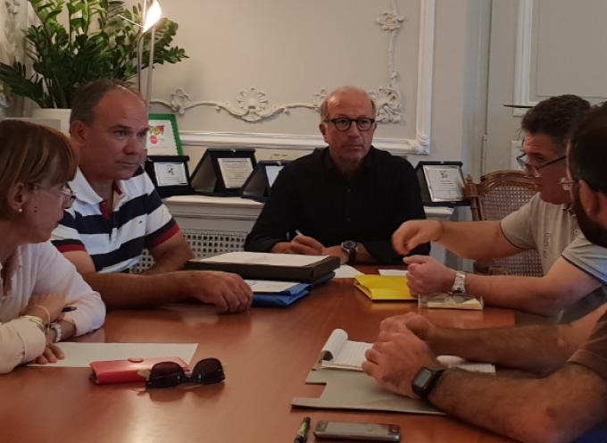 Τεχνική σύσκεψη για την πορεία των έργων και μελετών της Κιμώλου στο γραφείο του Αντιπεριφερειάρχη Κυκλάδων