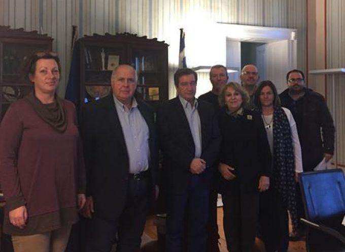 Επίσκεψη του δημάρχου Αθηναίων  και μέλους του Πολιτικού Συμβουλίου  του ΚΙΝΑΛ κ. Γιώργου Καμίνη  στο Επιμελητήριο Κυκλάδων.