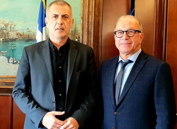 Με το Δήμαρχο Πειραιά συναντήθηκε ο Γ. Λεονταρίτης