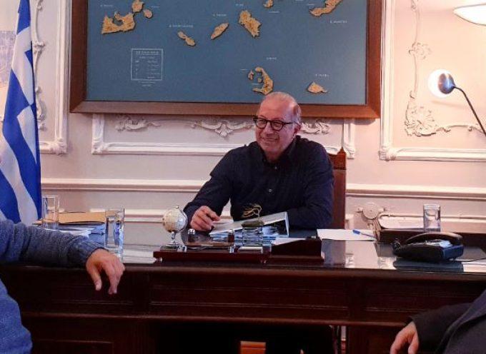 Με τον αντιπεριφερειάρχη Κυκλάδών Γ. Λεονταρίτη συναντήθηκε ο υποψήφιος Περιφερειακός Σύμβουλος Χ. Δαρζέντας