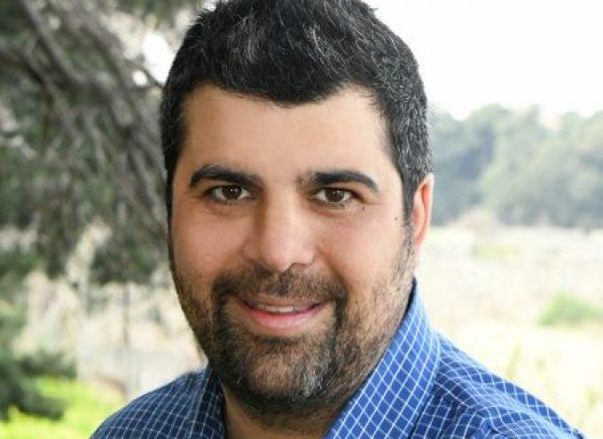 Υποψήφιος με την παράταξη του Περιφερειάρχη Γιώργου Χατζημάρκου, ο Γιάννης Καραμαρίτης