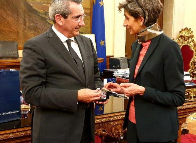 Με την Πρέσβη του Ηνωμένου Βασιλείου συναντήθηκε ο Γ. Χατζημάρκος
