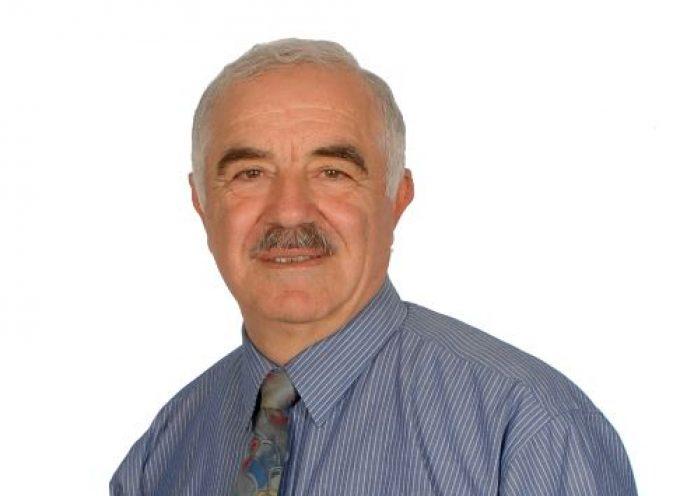 Υποψήφιoς για μια ακόμη θητεία με τον Γιώργο Χατζημάρκο, ο Μάρκος Δαδάος από τη Σύρο