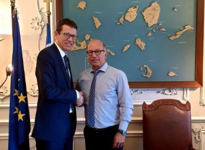 Με τον Οικονομικό Ακόλουθο της Αμερικανικής Πρεσβείας στην Ελλάδα συναντήθηκε ο Γ. Λεονταρίτης