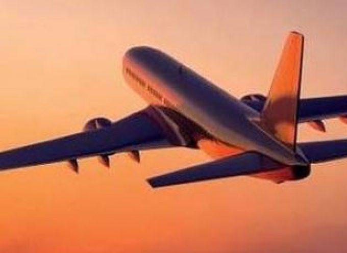 Αύξηση της επιβατικής κίνησης στα αεροδρόμια Μυκόνου και Σαντορίνης