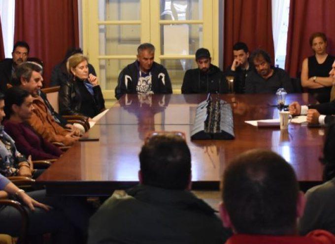 Με επιχειρηματίες που δραστηριοποιούνται στις παραλίες του νησιού συναντήθηκε ο Δήμαρχος Μυκόνου