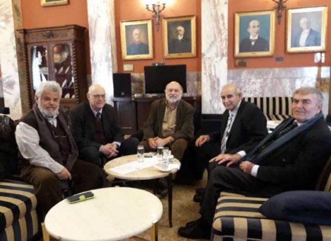 Με μέλη της Ομοσπονδίας Συλλόγων Μικρών Κυκλάδων συναντήθηκαν οι Βουλευτές Κυκλάδων του ΣΥΡΙΖΑ