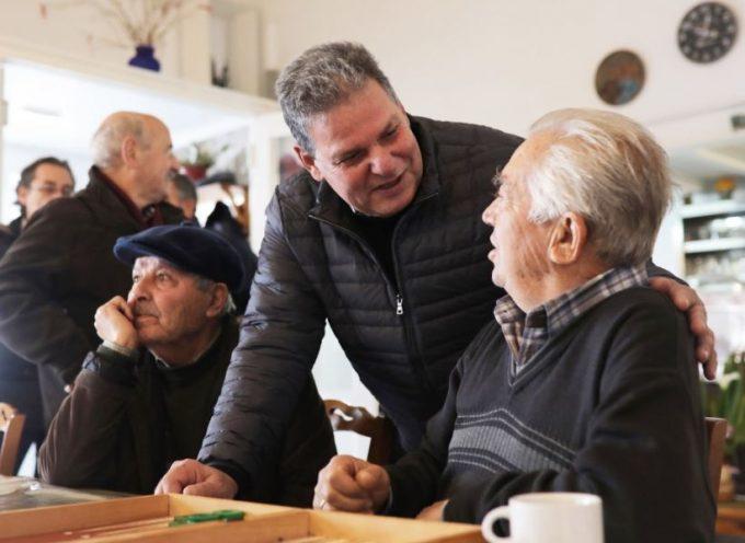 Στην Πάρο υποψήφιος περιφερειάρχης Μανώλης Γλυνός