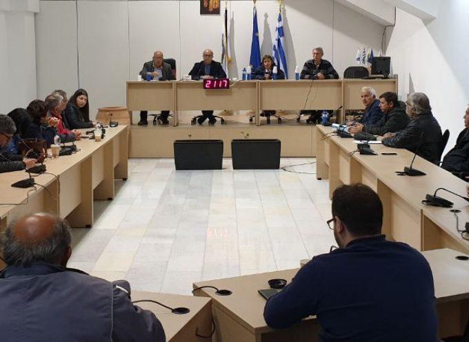 Σαντορίνη: «Σύσκεψη για τις πρόσφατες ζημιές στο οδικό δίκτυο του Αθηνιού»