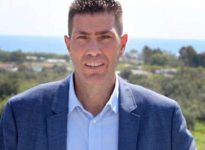 Ο Νίκος Νικολής, υποψήφιoς για μια ακόμη θητεία με τον Γιώργο Χατζημάρκο