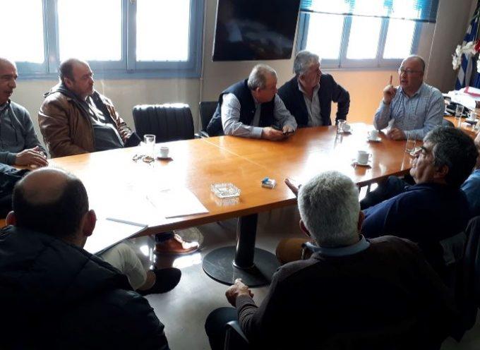 Συνάντηση Δημάρχου Θήρας με φορείς για την εξεύρεση στέγης για τα άτομα που θα στελεχώσουν ΑΤ & Λιμεναρχείο