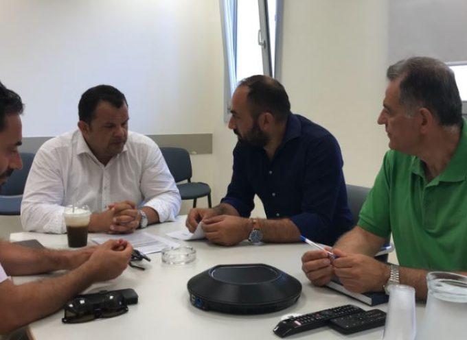 Το Γενικό Νοσοκομείο Θήρας επισκέφτηκε ο υποψήφιος βουλευτής Κυκλάδων με το ΣΥΡΙΖΑ-Προοδευτική Συμμαχία Αντώνης Γάκης