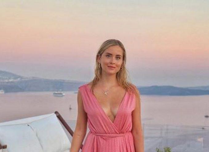 Στη Σαντορίνη η αδερφή της διάσημης μπλόγκερ Κιάρα Φεράνι, Βαλεντίνα -Διαφημίζει το νησί σε όλο τον κόσμο (φωτό)
