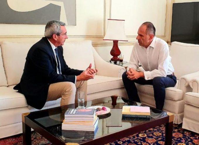 Στο Μαξίμου, σε συνάντηση με τον Υπουργό Επικρατείας  Γιώργο Γεραπετρίτη, για το θέμα της στελέχωσης, ο Περιφερειάρχης