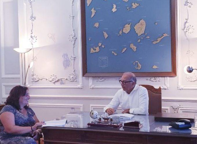 Με τη νέα Δήμαρχο Φολεγάνδρου συναντήθηκε ο Γ. Λεονταρίτης