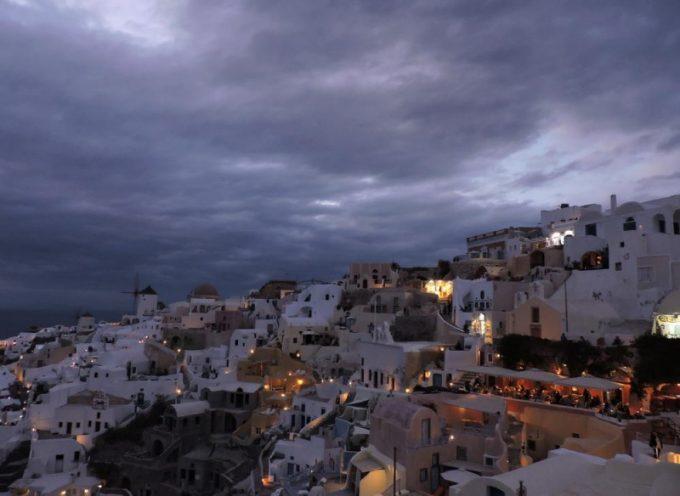 """Νότης Μαρτάκης: """"Στρατηγικό λάθος ο όρος υπερ-τουρισμός για δημοφιλείς προορισμούς"""""""