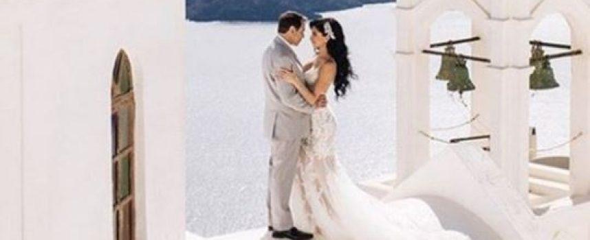 Σαντορίνη: Το νυφικό της εντυπωσίασε τους πάντες – Ο διάσημος γαμπρός και η νύφη σε πελάγη ευτυχίας