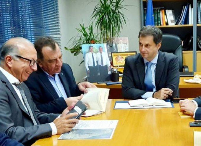 ΠΝΑΙ: Επί νέας βάσης η συγκροτημένη διαχείριση των ζητημάτων της Σαντορίνης, από Υπουργείο Τουρισμού, Περιφέρεια και Δήμο