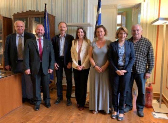 Συνάντηση στελεχών της Διεθνούς Ένωσης Εταιρειών Κρουαζιέρας (CLIA)  με το Επιμελητήριο Κυκλάδων με θέμα τη βιώσιμη ανάπτυξη του κλάδου της Κρουαζιέρας στις Κυκλάδες