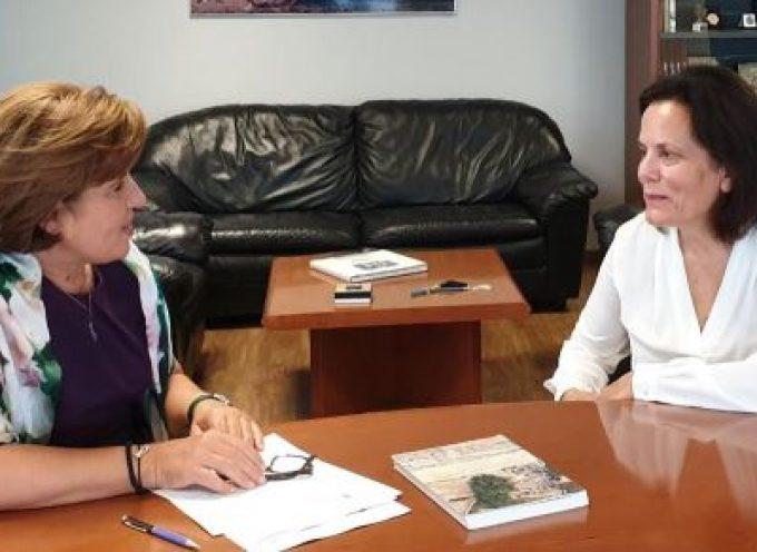 Για την ενίσχυση της ανασκαφικής έρευνας στην Παλαιόπολη Άνδρου συζήτησαν η διευθύντρια της ανασκαφής και η Γ.Γ. Αιγαίου & Νησιωτικής Πολιτικής