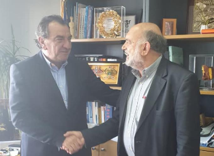Στη Σαντορίνη ο Βουλευτής Κυκλάδων ΣΥΡΙΖΑ Ν. Συρμαλένιος. Συνάντηση με το Δήμαρχο Θήρας