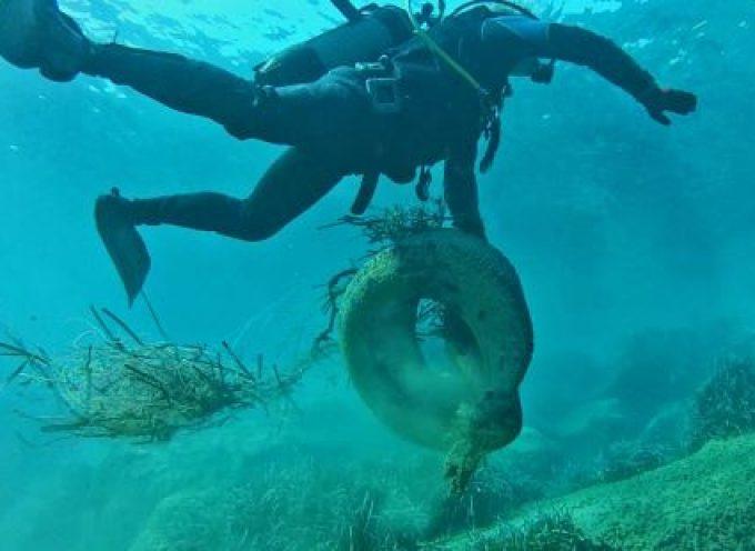 """Dive In Action: """"Καθαρισμός σε βάθος στο Αμμούδι της Οίας!"""""""