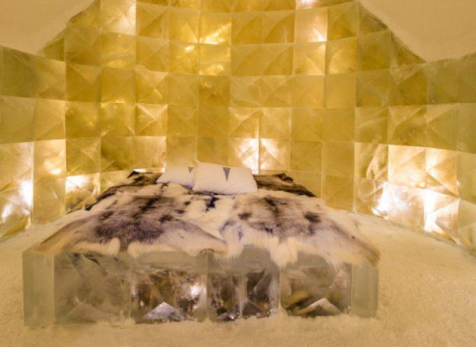 Στο Icehotel στη Σουηδία, 200 χλμ. βόρεια του Αρκτικού Κύκλου, σκάλισαν στον πάγο ένα δωμάτιο αφιέρωμα στη Σαντορίνη…(ΦΩΤΟ)