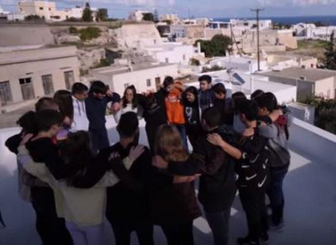 "VIDEO: Οι ""cine-ργάτες"" του Γυμνασίου Μεσαριάς ""Κινηματο-γράφουν"" εξαιρετικά!!"
