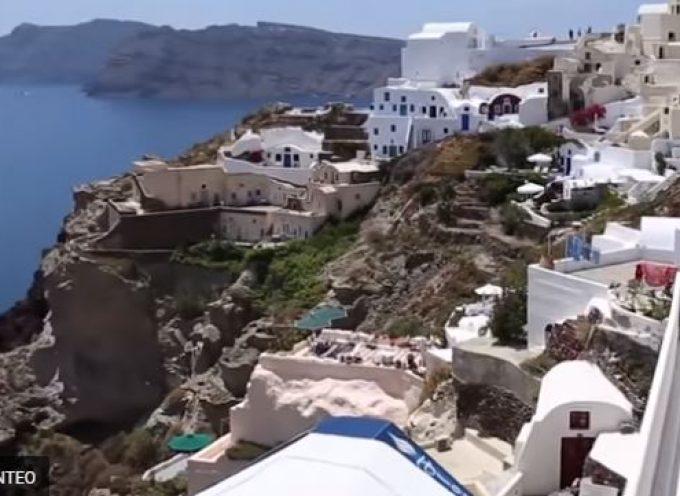Με πλάνα από τα ελληνικά νησιά και την Αθήνα το βίντεο – αποθέωση του Insider για την Ελλάδα