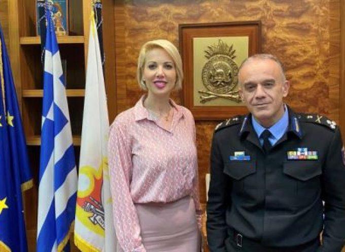 Με τον Αρχηγό του Πυροσβεστικού Σώματος συναντήθηκε η Κατερίνα Μονογυιού