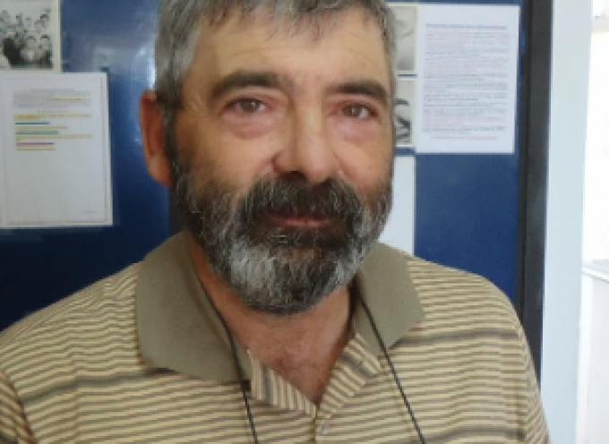 """Ο Αντώνης Καραμολέγκος """"σοϊλάρει μερικές ακόμα ορδηνιές"""" για να μην πλήττουμε στα σπίτια μας"""